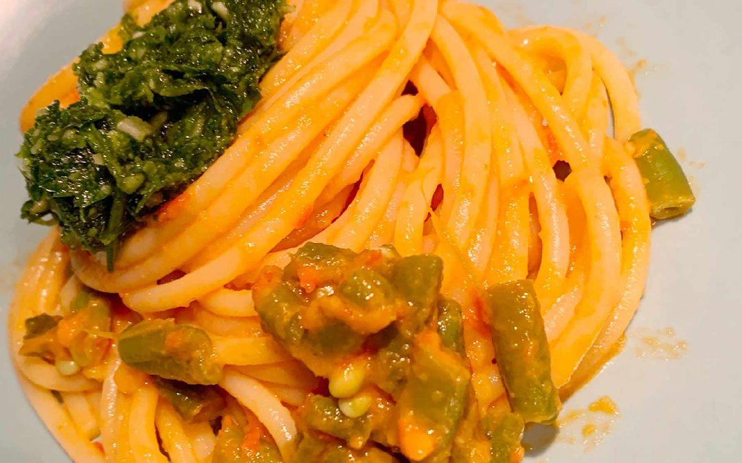 Spaghetti ai fagiolini con pesto al prezzemolo
